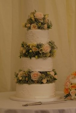 Flowers between tiers 1.jpg