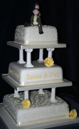 Traditional Cake With PillarsJPG