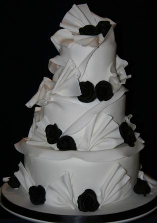 Melanie Ferris Cakes News Small Black And White Helterskelter Cake