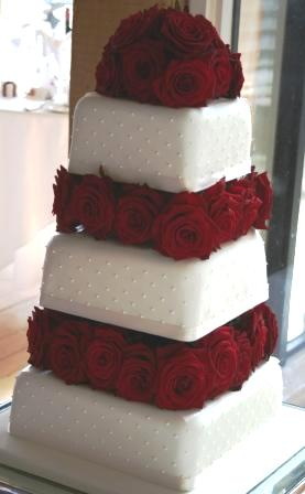 Melanie Ferris Cakes News » Wedding Cakes with Red Roses and Dots