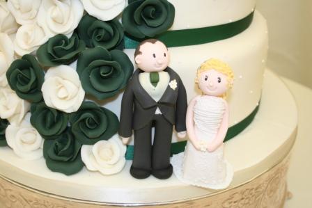 Melanie Ferris Cakes News Dark Green And Ivory Wedding Cake