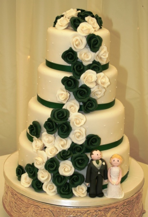 Melanie Ferris Cakes News 187 Dark Green And Ivory Wedding Cake