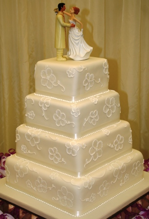 20130528-Brush Embroidered Wedding Cake.JPG