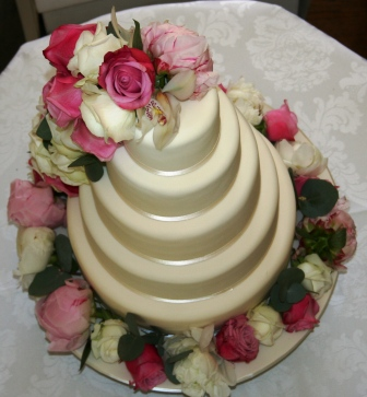 20130609-Pretty cake with fresh flowers from above.JPG
