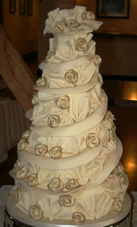 Melanie Ferris Cakes News New Year S Eve Wedding Cake