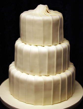 20141022-white_choc_wedding_cake.jpg