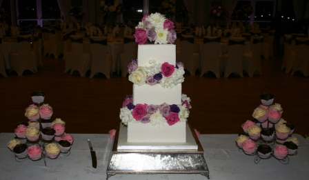 20151122-wedding_cake_at_hylands_house.jpg
