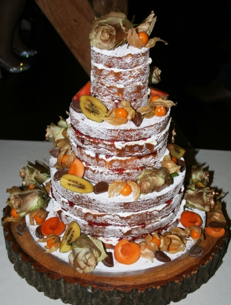 20160112-new_years_eve_wedding_cake.jpg