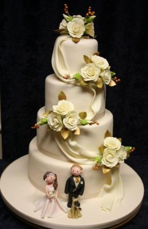 20160213-roses_and_drape_cake_with_bride_groom_and_german_shepherd.jpg