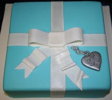 20160310-tiffany_box_birthday_cake.jpg
