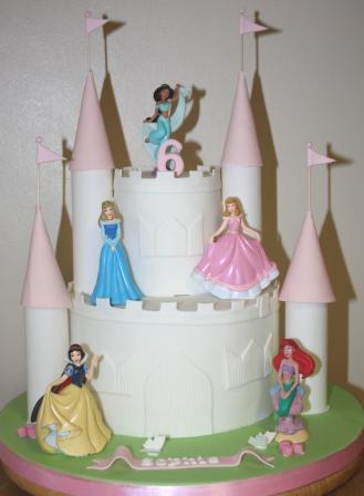 20161023-disney_princess_castle_cake.jpg